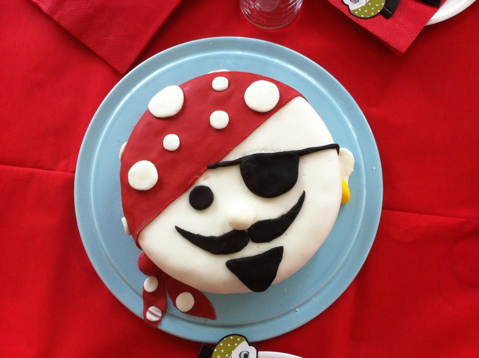 simple pirate cakes
