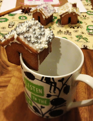 Gingerbread Mug Houses