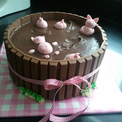 Bathing Pigs Cake